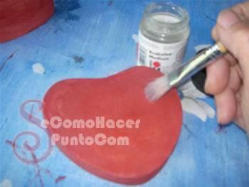 Cajas en forma de corazón con decoupage