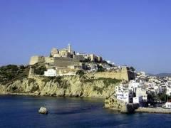 Vista de Dalt Vila, casco antiguo de la ciudad de Ibiza
