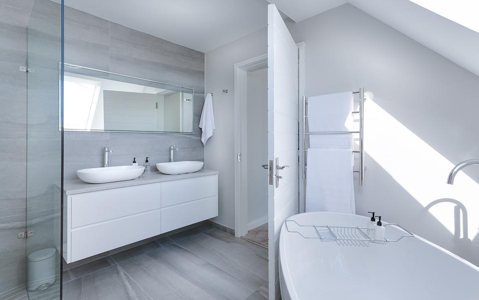 Trucos de limpieza para el ba o trucos caseros para limpiar el ba o - Limpiar azulejos cocina para queden brillantes ...