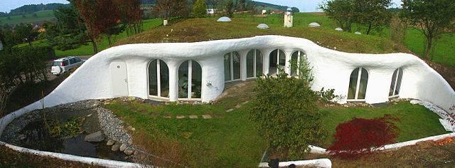 Cómo construir una casa sustentable con pometina :: La piedra ...
