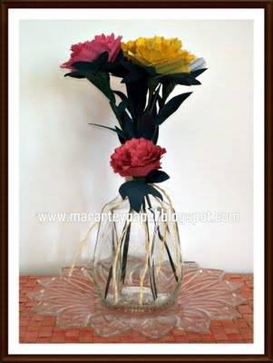 Centros de mesas originales con flores de papel para tu boda