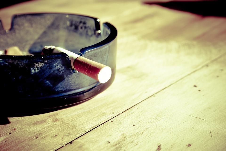 4 trucos para eliminar el olor a tabaco 4 trucos para - Como eliminar el olor a tabaco de las paredes ...