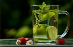 Agua + limon