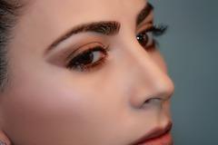 Cejas de mujer
