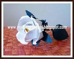 Rosa de papel artesanal