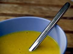 receta casera de sopa de patatas y puerro