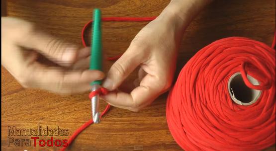 C mo hacer bolsos y carteras de trapillo tejidos a crochet - Como hacer un bolso de trapillo ...