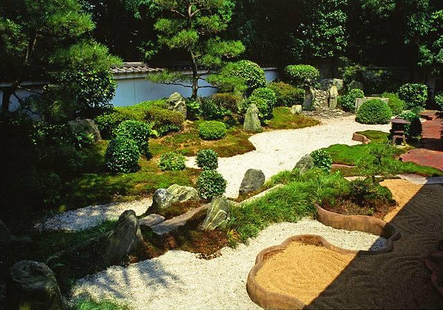 6 trucos para mantener en buen estado tus muebles de - Para que sirve un jardin zen ...