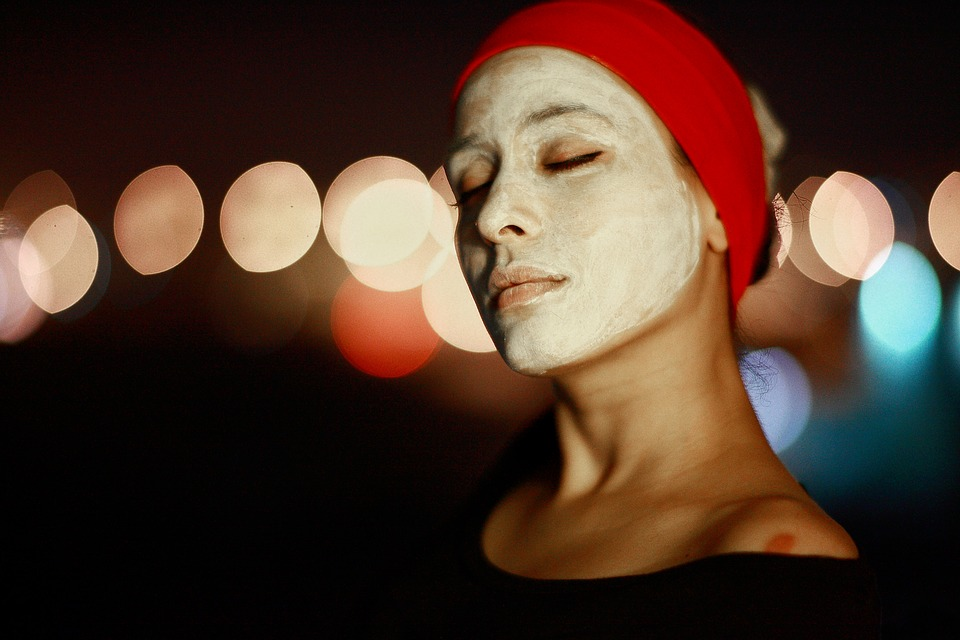 Hay quienes dicen que la maizena para la cara es la fuente de la juventud  eterna. Muchos tratamientos de belleza la tienen entre sus ingredientes por  sus ... ab05d181899c