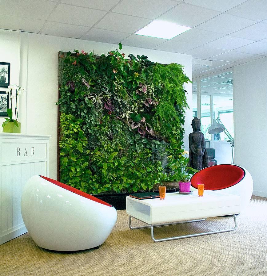 C mo hacer un muro verde en el interior de la casa for Lonas para jardines verticales