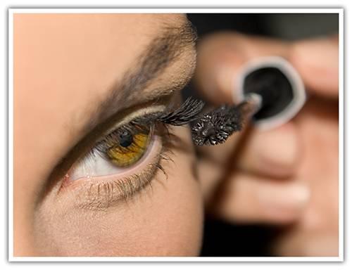 Los hinchazones bajo los ojos la alergia la causa