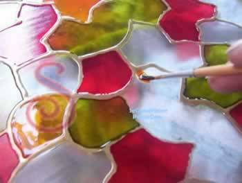 C mo pintar en vidrio un plato decorativo manualidades - Como poner fibra de vidrio ...