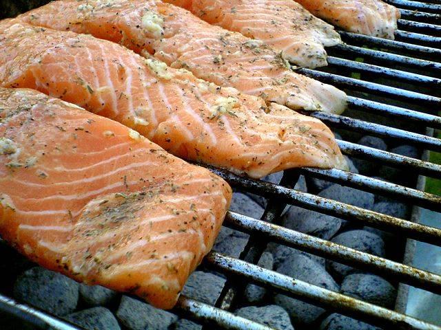 Diferencias entre salm n blanco y salm n rosado for Como se cocina el salmon