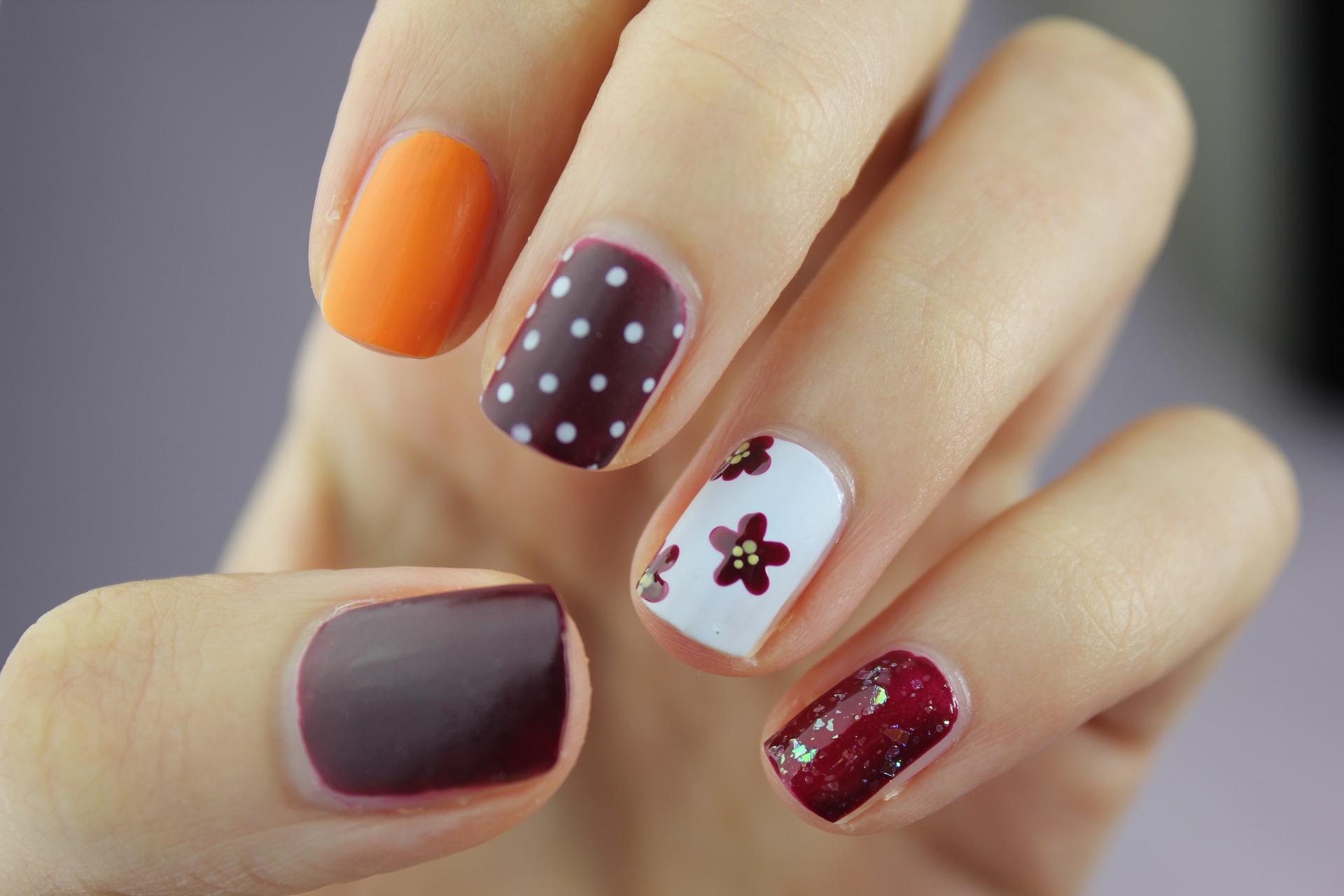 Cómo tener las uñas largas en 3 días - Innatia.com